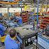 La industria se contrajo 5,7% en julio y la construcción creció 0,7%