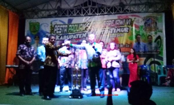 Dusun Timur Keluar Sebagai Juara Umum Pesparawi VI Tingkat Kabupaten Barito Timur