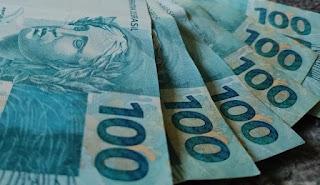 Salário mínimo será de R$ 1.100 em 2021, diz Bolsonaro