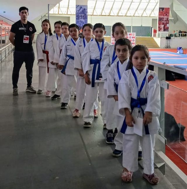 """Delegación del """"Karate Chinquihue Dojo Tapia"""""""