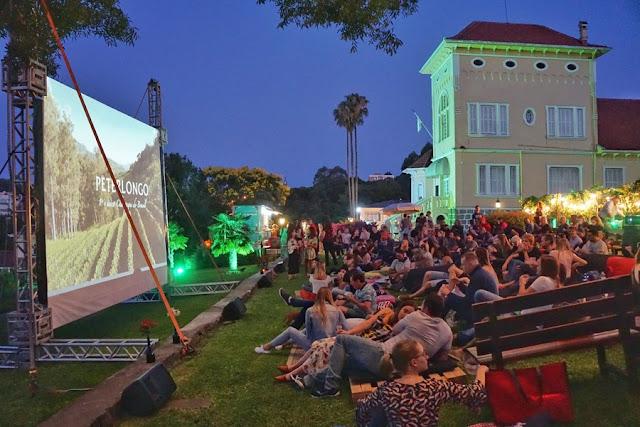 Wine Movie Peterlongo: uma sessão de cinema ao ar livre na vinícola