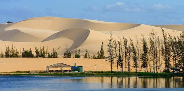 "Discover Vietnam's ""sub-Saharan desert"""