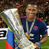 Antonio Valencia has signed a two-year contract extension at Manchester United.