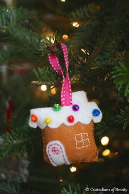 GingerBread Felt Ornament | by CustodiansofBeauty.blogspot.com