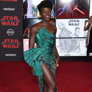 Lupita Nyong'o steps out in thigh-high stunning green dress at movie premiere (photo)