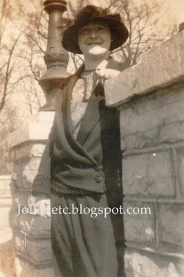 Violetta Davis Ryan 1922 Harrisonburg Teachers College now James Madison University https://jollettetc.blogspot.com