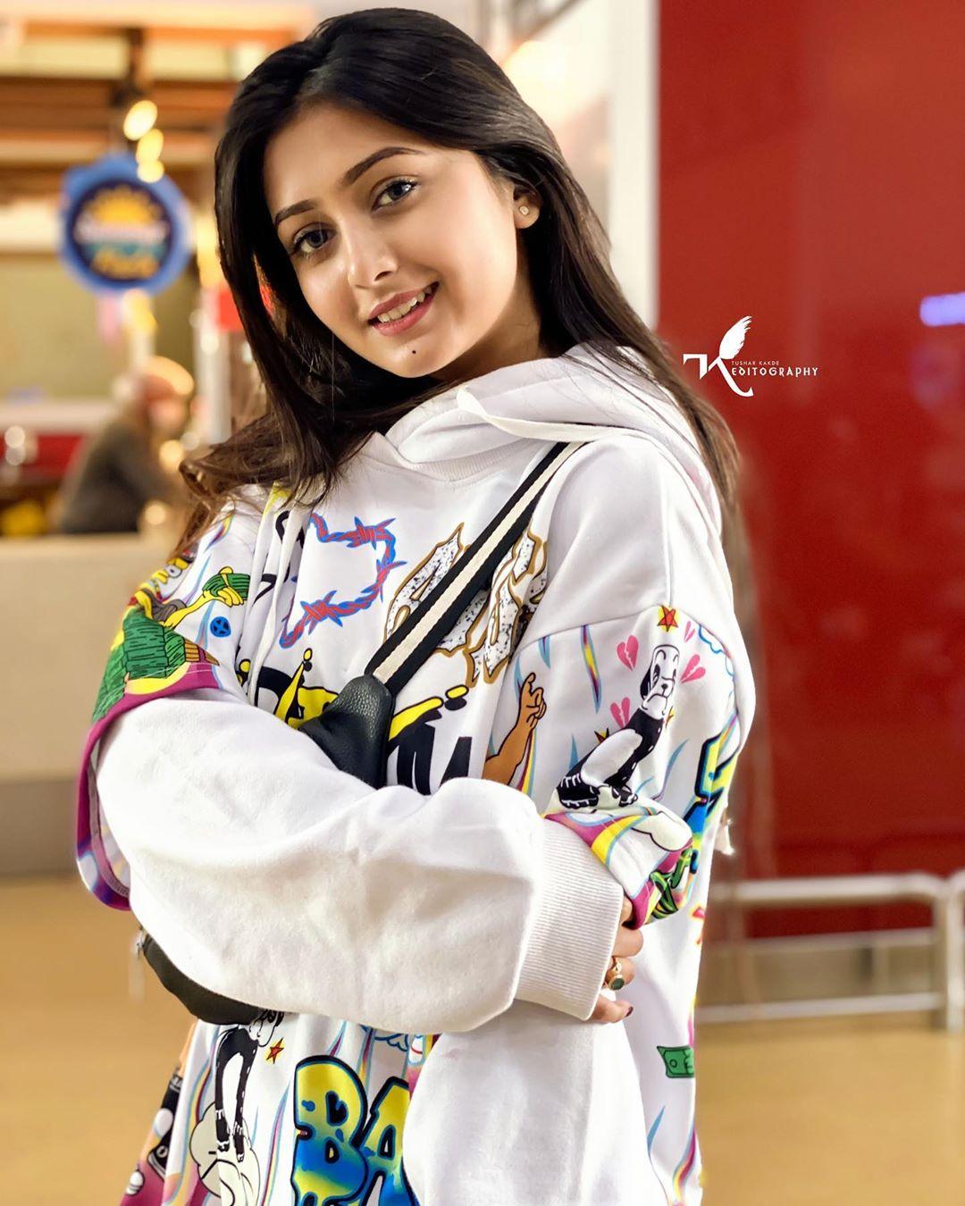 Sana Khan Bebo Tiktok Age Wiki Biography Filmifeed