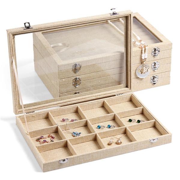 Cất giữ trang sức bạc trong tủ và hộp kín