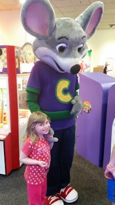 Chuck E. Cheese's, tokens, games