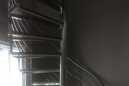 Tangga Putar Stainless Kombinasi Kayu Kamper Pemasangan Di Kota Wisata Cibubur