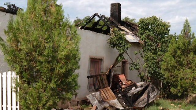 Épp aludt gyermekeivel a nagykőrösi édesanya, amikor lángra kapott a házuk – videó