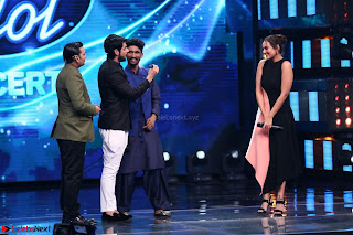 Sonakshi Sinha on Indian Idol to Promote movie Noor   IMG 1568.JPG