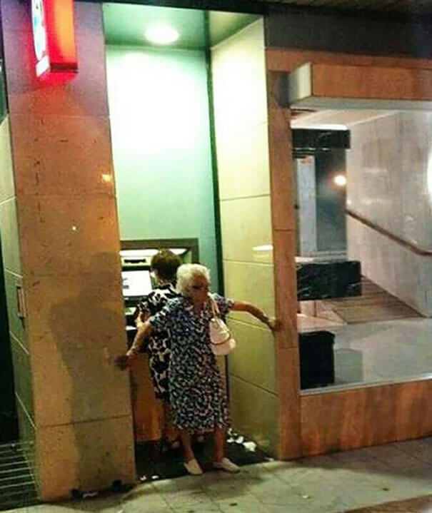 20 Hilarious Photos Of Grandparents Being Awesome - ATM Security Level Grandma
