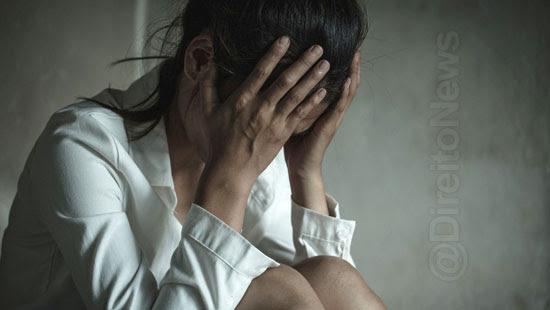 mulher indenizada utero revistado policia direito