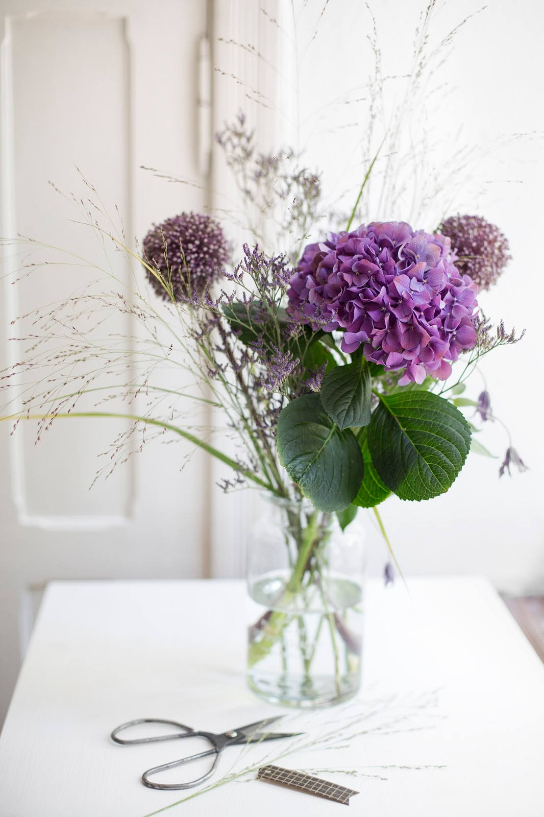 Blumen Lila Hochzeit Schone Blaue Hochzeit Blumen Auf Einem