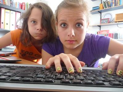 पैरेंटल कंट्रोल ऐप्प्स अपने बच्चे की वेब सर्च की निगरानी के लिए | Best Parental Control Apps for Your Child's Surveillance