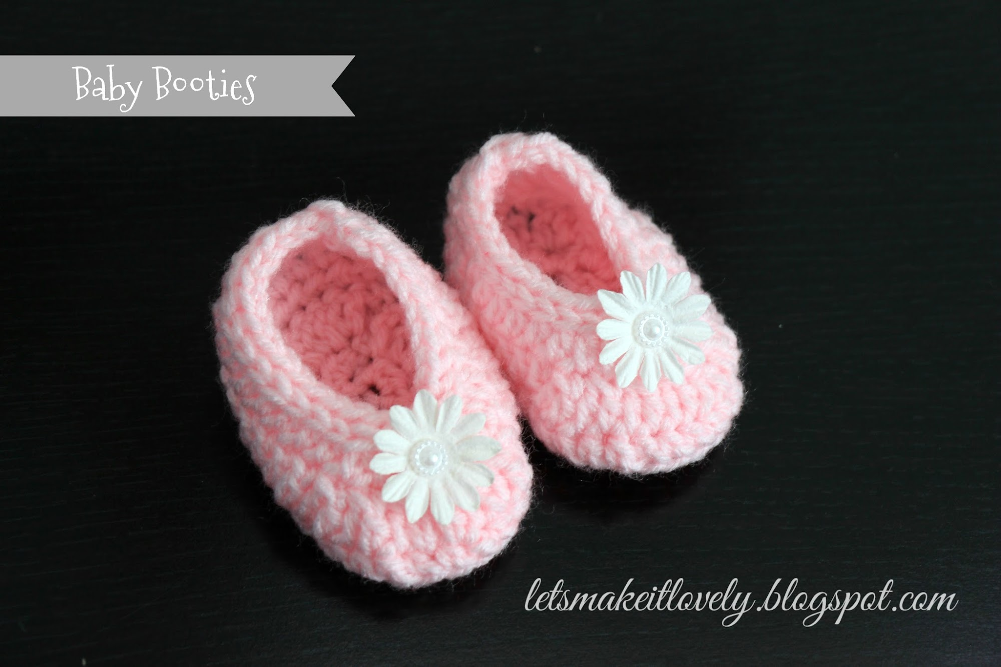 Baby Booties. Pink Crochet Shoes. Floral baby shoes.