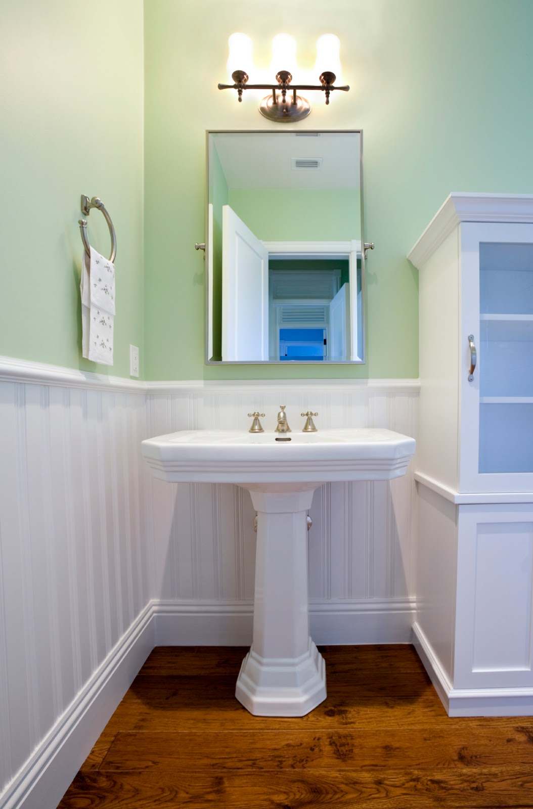 Re Bath Of Richmond Tips For Remodeling A Half Bathroom