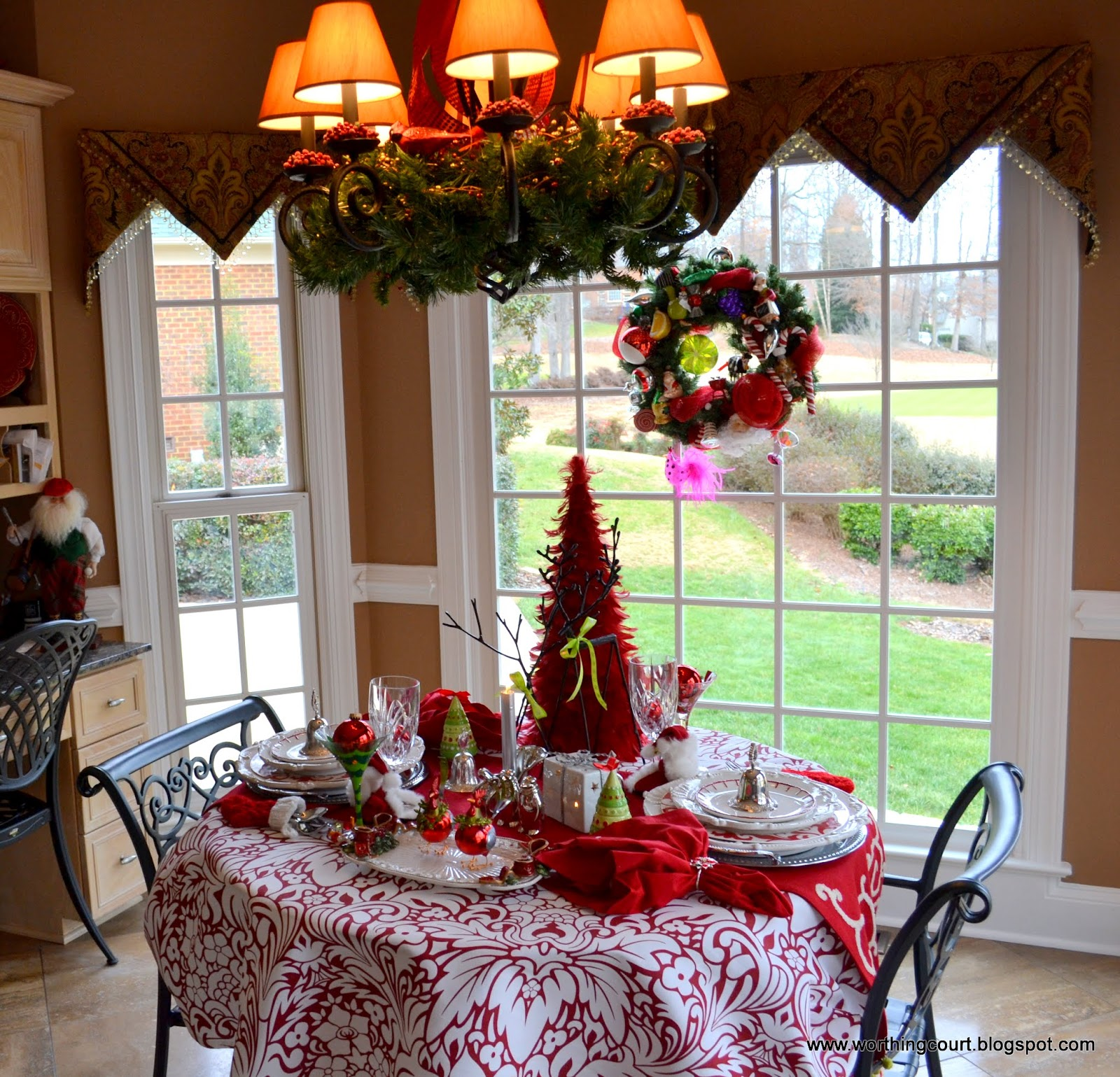 Christmas in Nancy's Dining Room and Kitchen | Worthing Court
