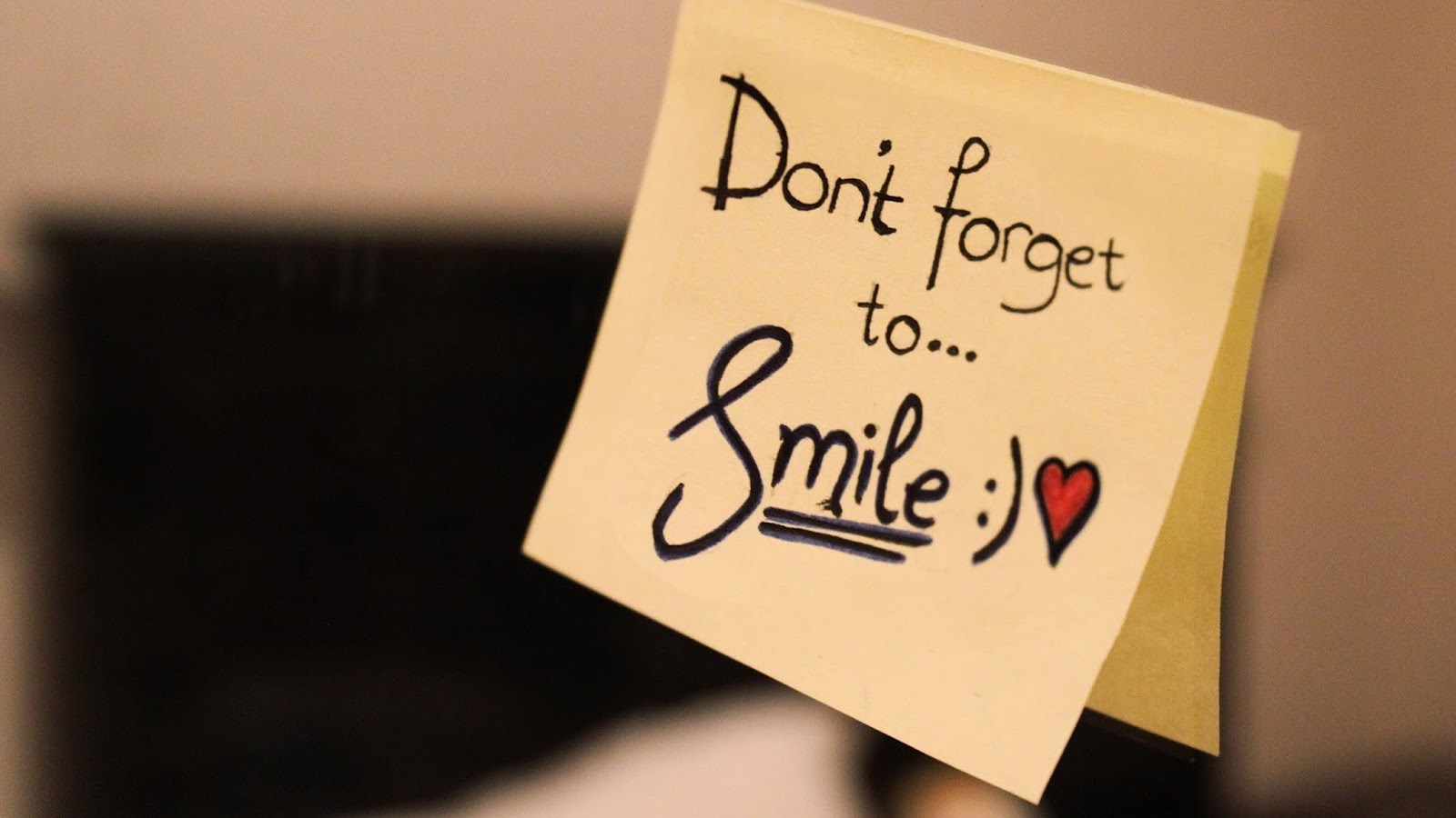 Don't Forget To Smile | Motivational Quotes | HNQuotes