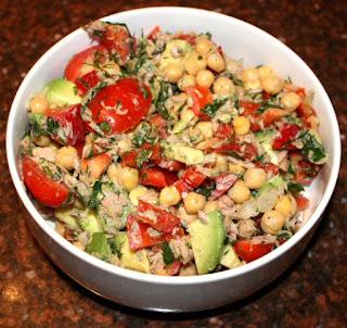 recept; recepten; hoofdgerecht; hoofdgerechten; maaltijdsalade; maaltijdsalades; kikkerwt; kikkererwten; tonijn; tomaat; tomaten; paprika; peterselie; dille
