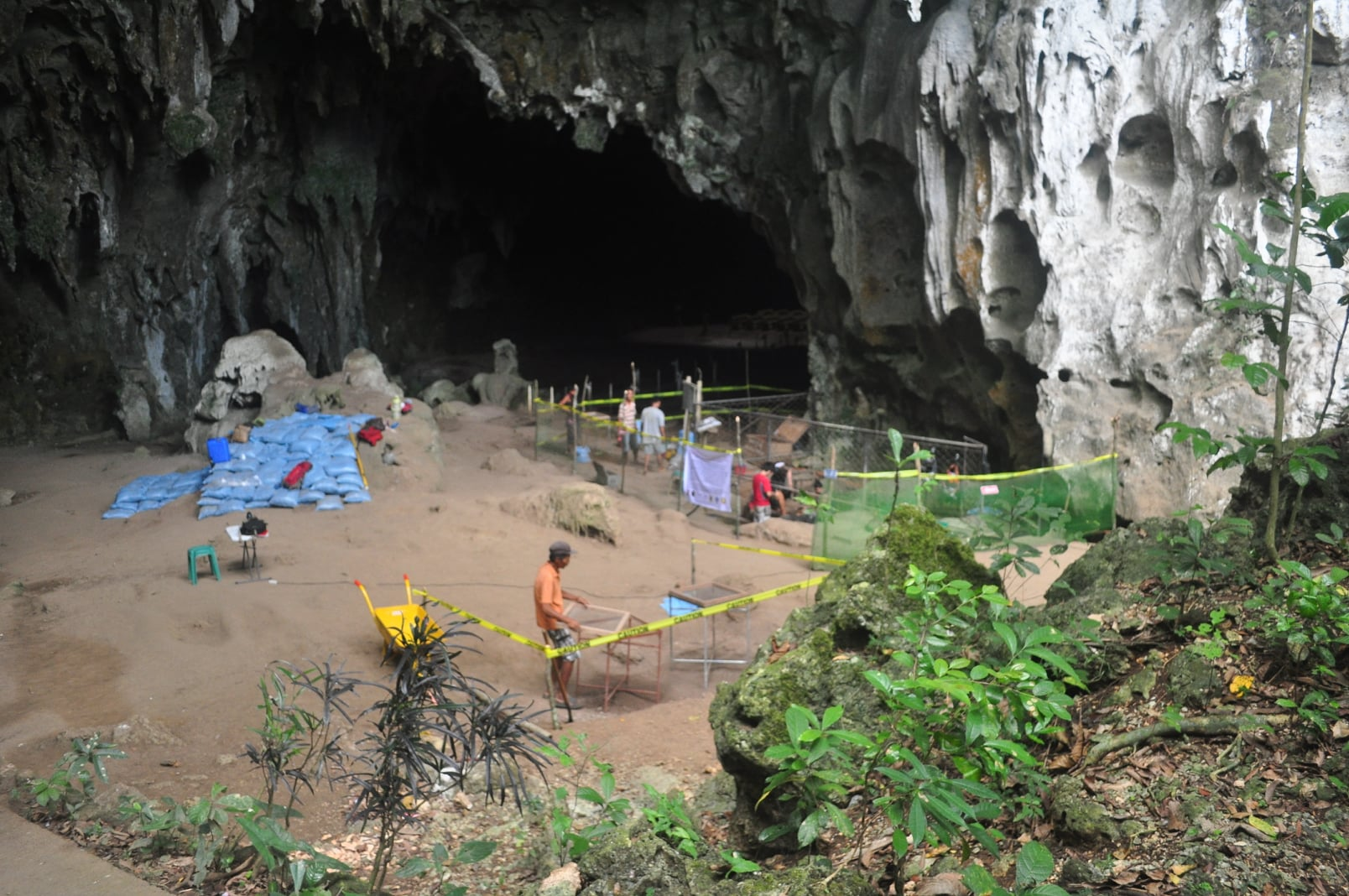 Callao Cave excavation