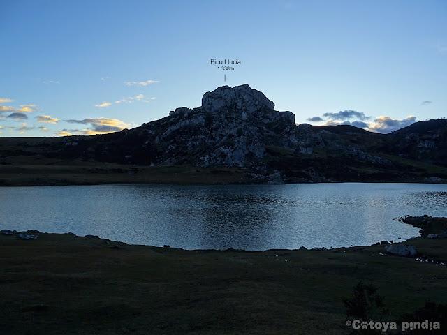 Imagen del Lago Ercina en los Lagos de Covadonga.