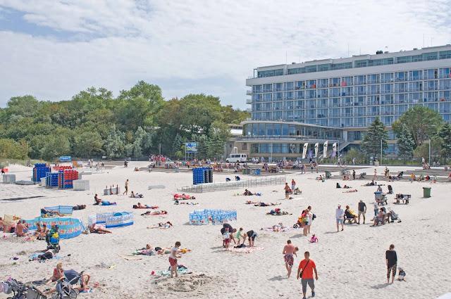 Uzdrowisko Bałtyk Kołobrzeg, widok na hotel z mola
