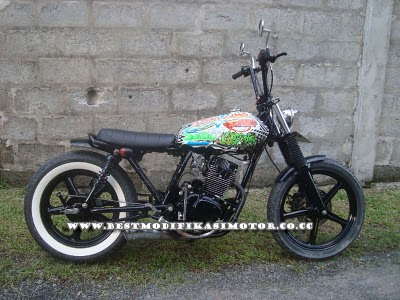 Modifikasi Motor Honda CB100 Unik