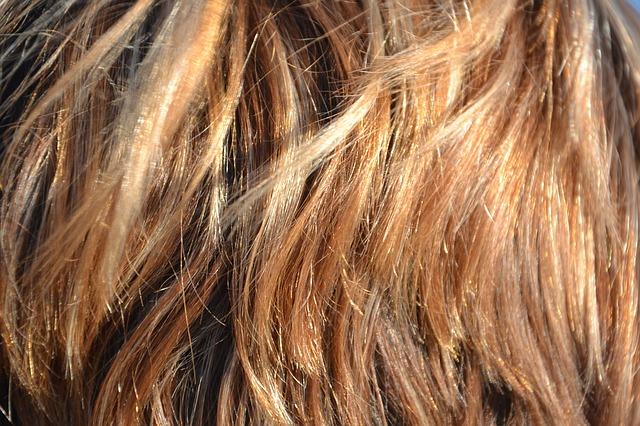 Faktor Penyebab Rambut Rontok & Cara Mengatasi Rambut Rontok
