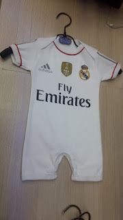 gambar detail jersay bola bayi jumoer kualitas grade ori Baju jumper bayi Real Madrid home terbaru musim 2015/2016 di enkosa sport toko online terpercaya