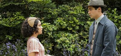 Inês (Carol Macedo) fará perguntas íntimas a Carlos (Danilo Mesquita) nos próximos capítulos de Éramos Seis
