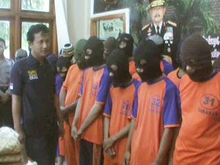 Beromzet Puluhan Juta Rupiah, Komplotan Penjudi Nyasar Siswa SD