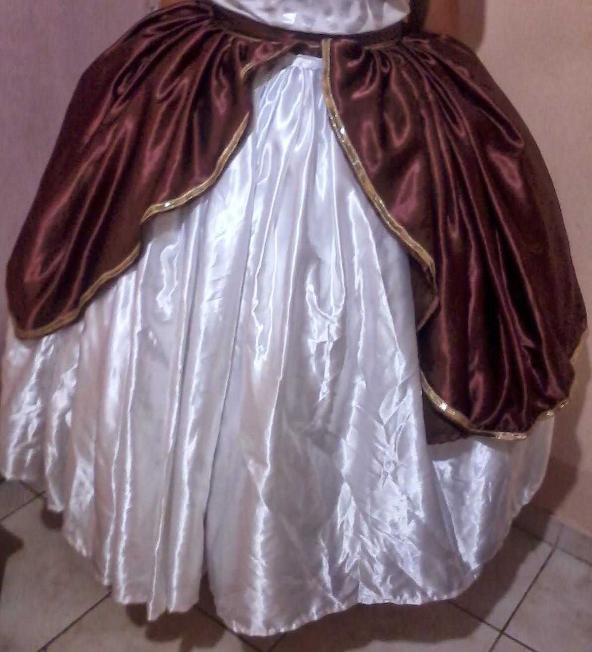 ea55851b5 Essa é um saia simples de cetim