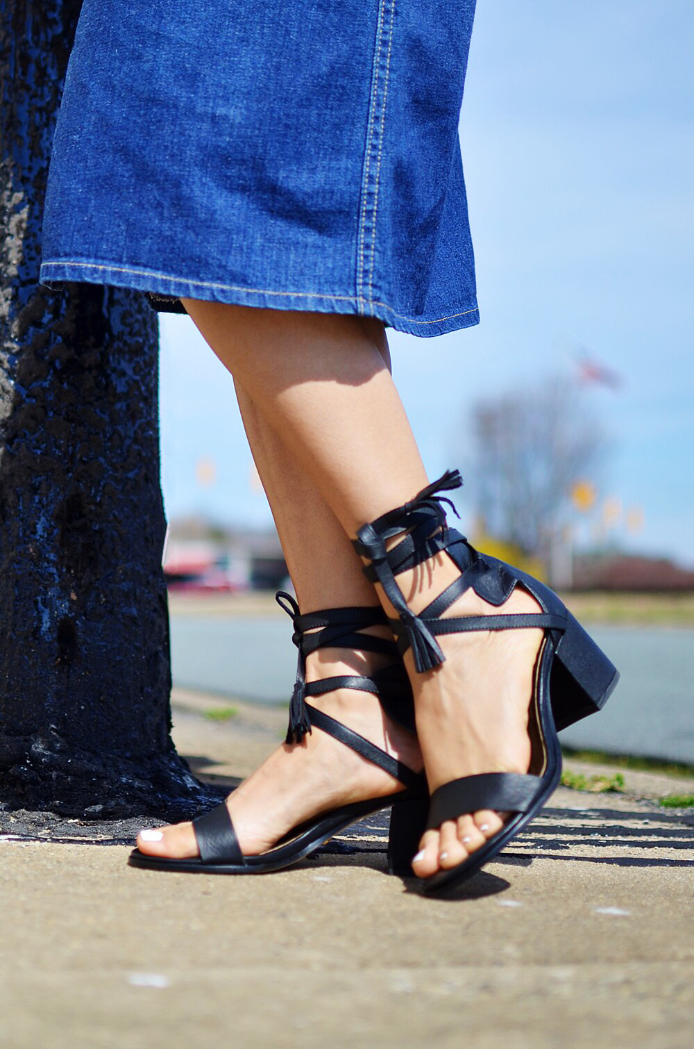 Shoes with tassels street style