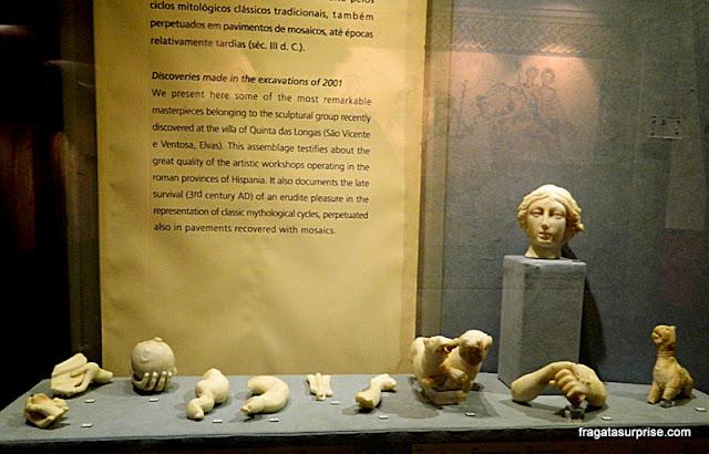 Objetos escavados numa antiga vila romana em Quinta das Longas, em Elvas, no Alentejo