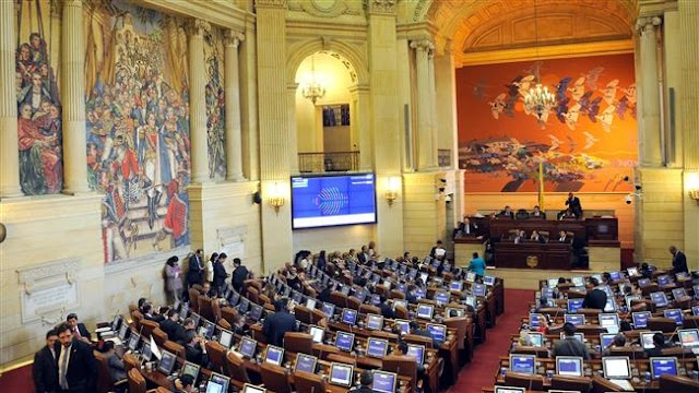 Colombian Congress ratifies government peace accord with FARC rebels