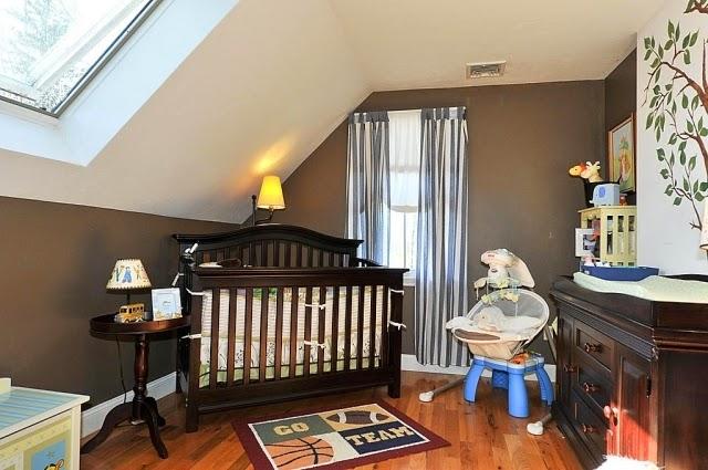 Habitación de bebé marrón