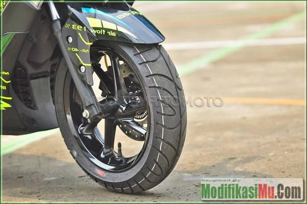 Ban CST - Modifikasi Yamaha NMax 150 Ala Motor sport MotoGP VR46 Valentino Rossi