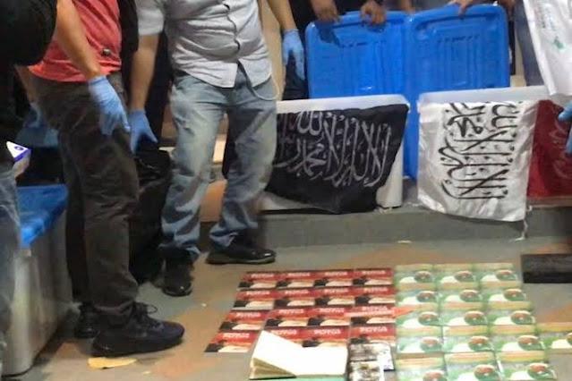 Polisi Sita Buku Doa-Doa Milik Munarman
