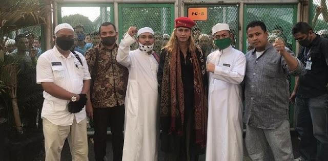 Belum Genap Setahun Dipenjara, Habib Bahar Bebas Lewat Program Asimilasi