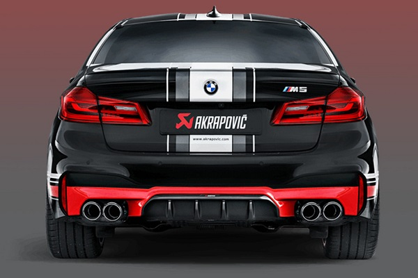 Escape Akrapovic para BMW M5 video