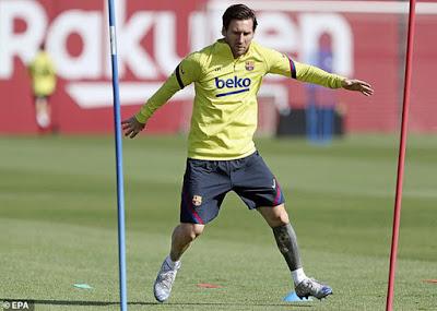 """La Liga, Serie A sắp trở lại: Messi, Ronaldo mừng thầm đua """"Bóng Vàng"""" 2"""