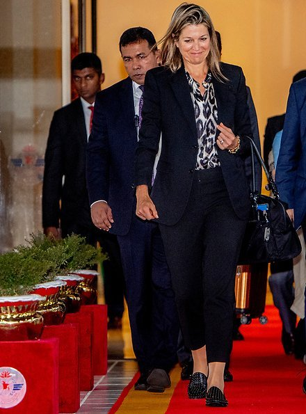 Queen Maxima arrived at the Hazrat Shahjalal International Airport in Dhaka, and welcomed by Bangladesh Foreign Minister Dr AK Abdul Momen