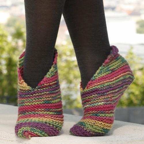 Easy Knit Garter Stitch Splash Slippers - Free Pattern