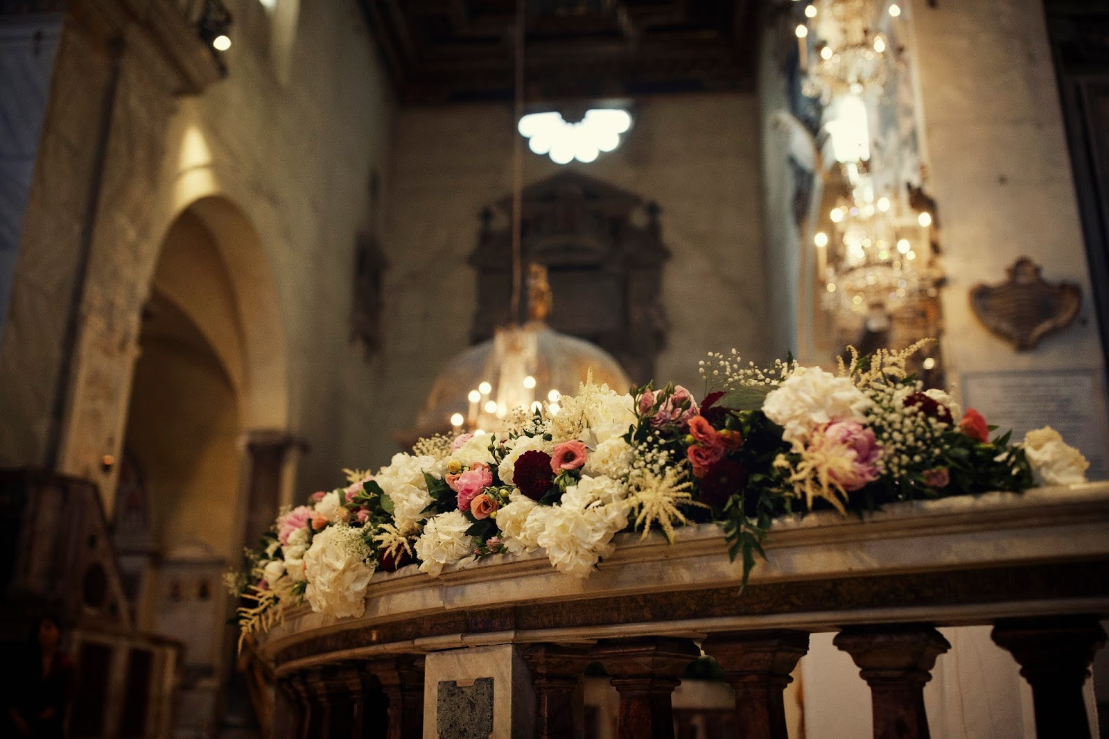 Matrimonio romantico in marsala bianco e rosa 4
