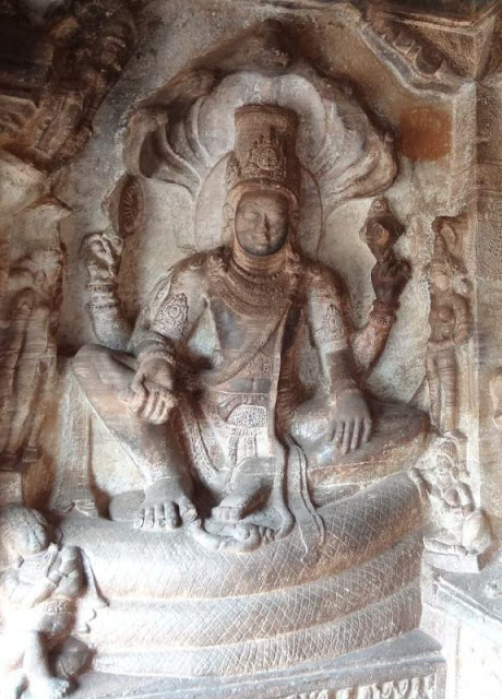 10 best sculptures of ancient India - Vishnu in Rajasabha (Royal court) - Badami