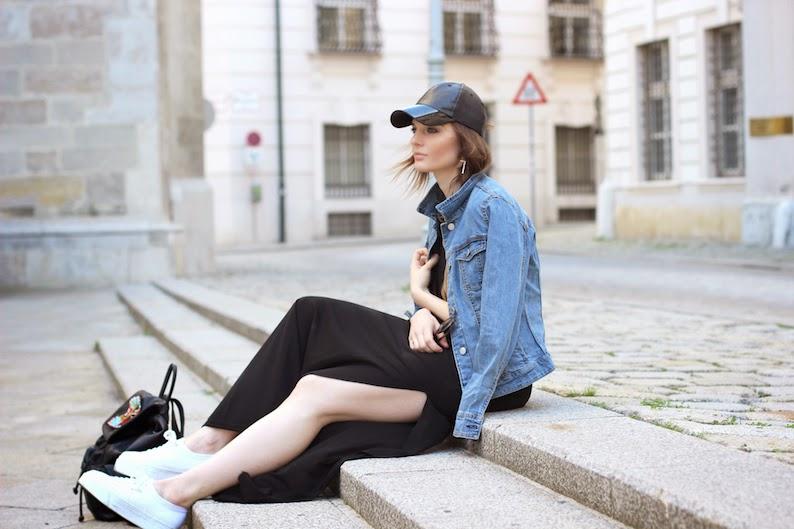 8dcd568996af H M  dress hat   MANGO OUTLET  denim jacket   P C  Sneakers   F21  shades