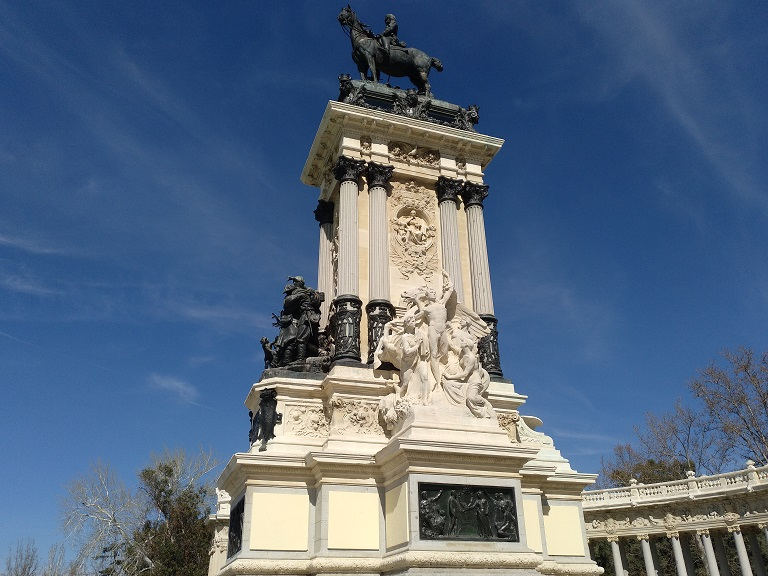 que-visitar-madrid-parque-retiro-monumento-alfonso-xii
