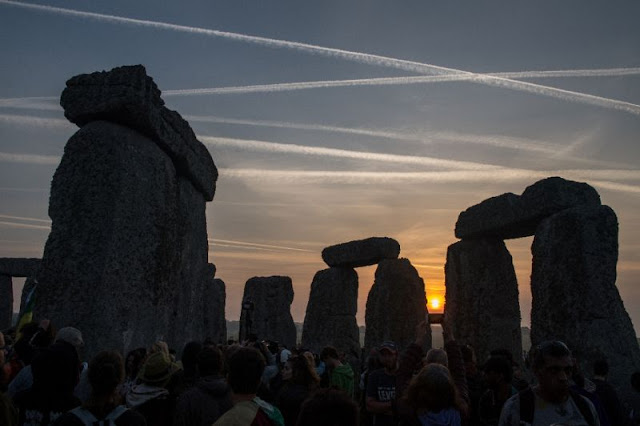 Stonehenge road tunnel gets go-ahead despite protests